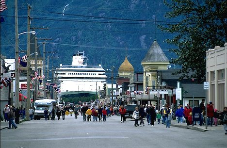 Skagway Mainstreet and Cruise Ship