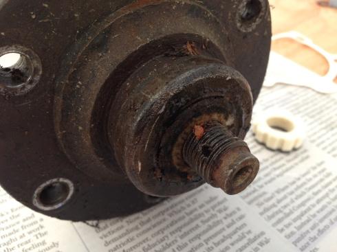 Axle shaft w/ felt seal