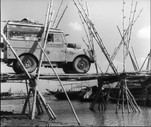 land-rover-series 1-1955-first-overland-expedition-01