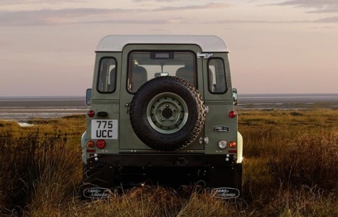 LAND-ROVER-DEFENDER-CELEBRATION-SERIES-01