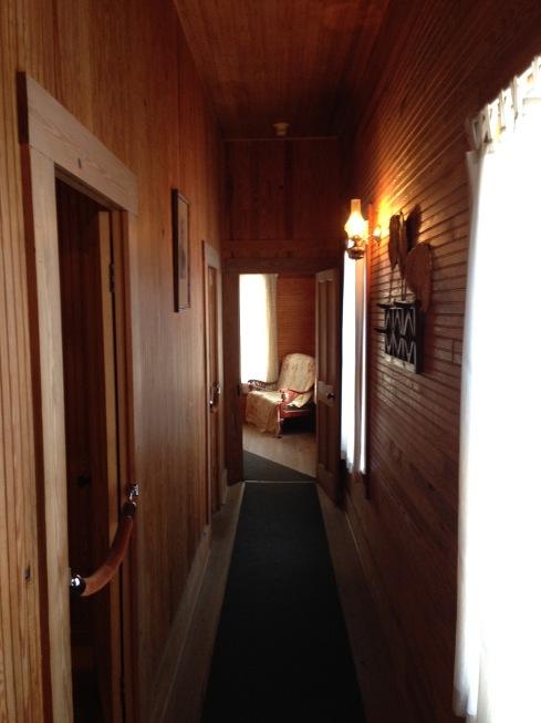 Hallway cigar house